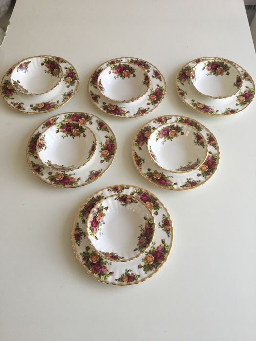 Royal Albert - old country roe breakfast service (12) - Porcelain
