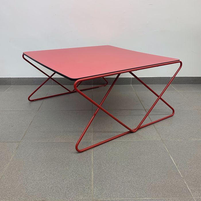 Walter Antonis - I-Form - Coffee table (1)