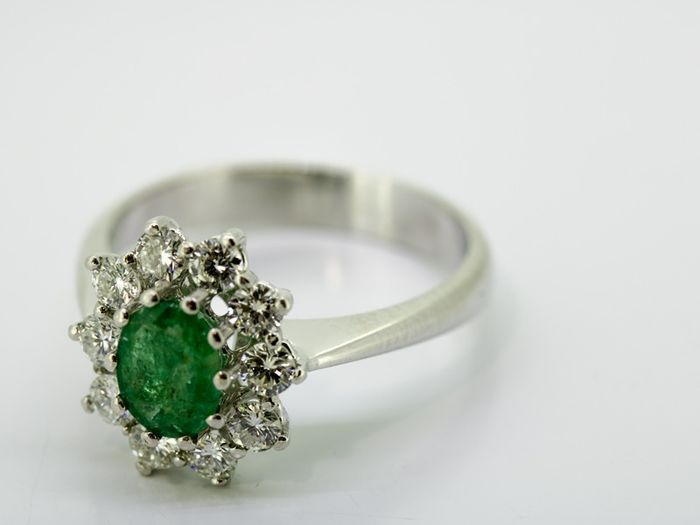18 kt. White gold - Ring - 0.90 ct Diamond - Emerald