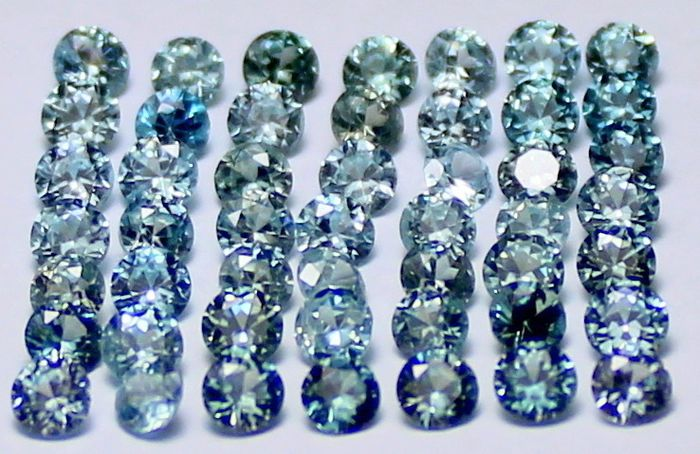 49 pcs  Zircon - 8.11 ct