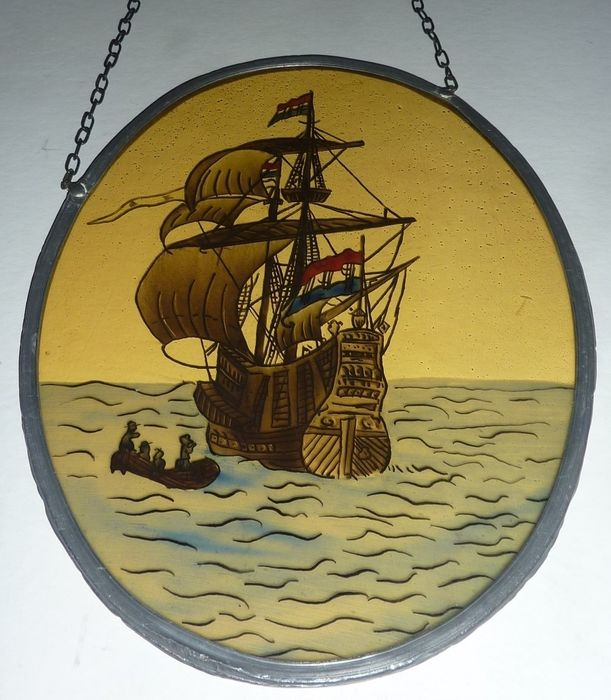 Window hanger with image VOC ship - oval - Stained glass