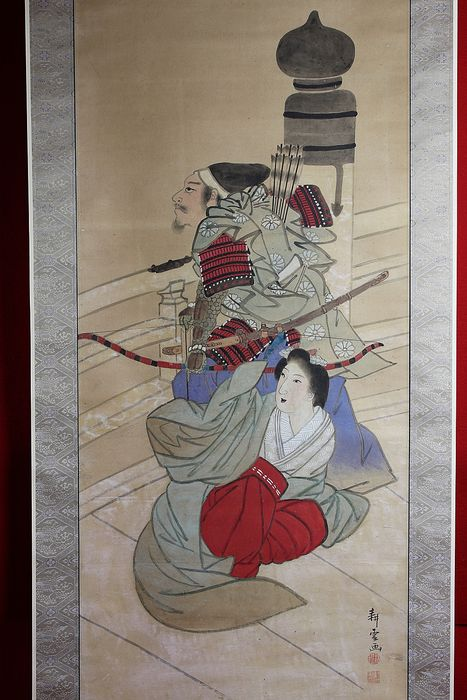 Hanging scroll - Bone, Paper - Samurai and beauty at Gojo Bridge in Kyoto - With signature and seal 'Koun ga' 耕雲画  - Japan - Late 19th century (Meiji period)