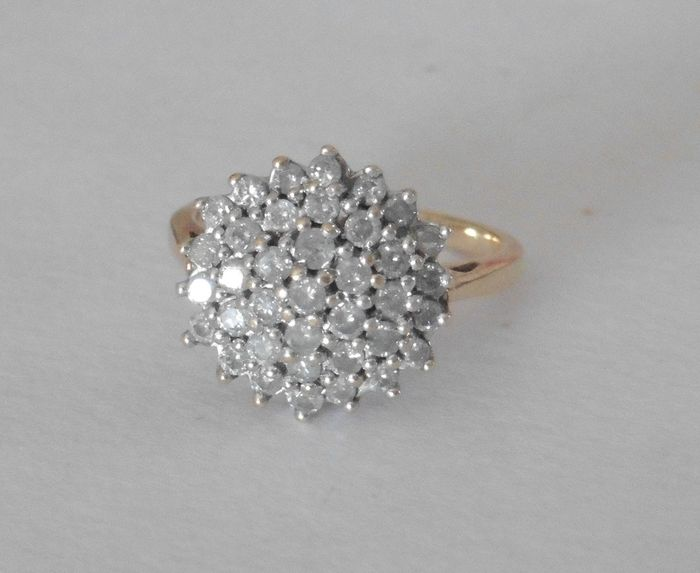 Yellow gold - Ring - 0.90 ct Diamond