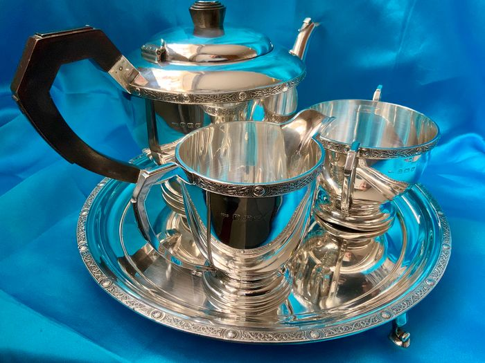 Celtic revival band applied sterling silver tea service on tray   (4) - .925 silver, wood handle for the tea pot - CB Thomas & Co Birmingham, Adie Brothers, Hugh Crowshow, Sheffield  - U.K. - 1939, 1949, 1999