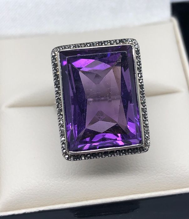 Platinum - Ring - 12.00 ct Amethyst - Diamonds