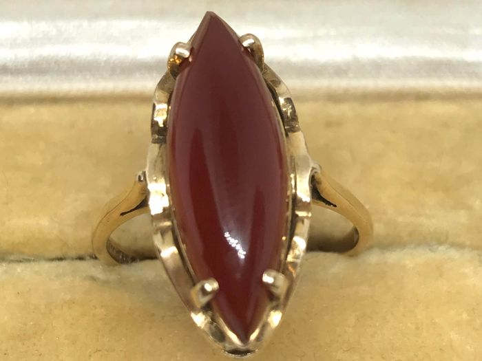 .375 Gold - Vintage Cornelian Ring in Gold Cornelian
