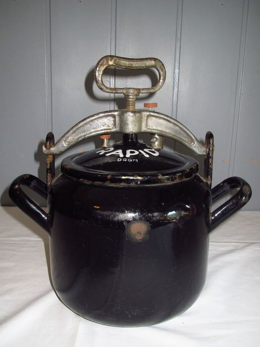Rapid - Antique pressure cooker DRGM (Deutsches Reich) - Black enamel