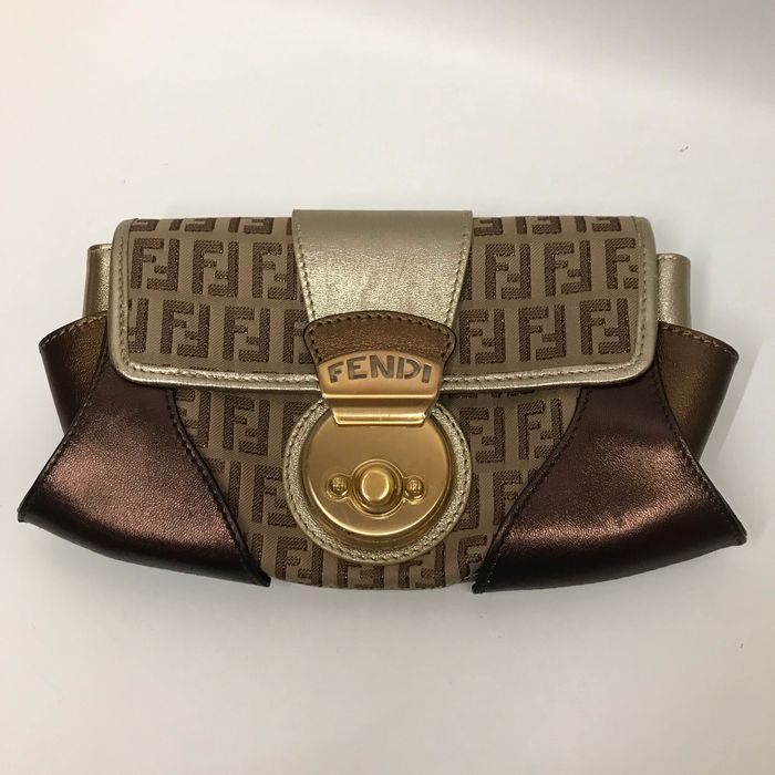 huge selection of 05ce5 a01b0 Fendi portafoglio/pochette - Catawiki