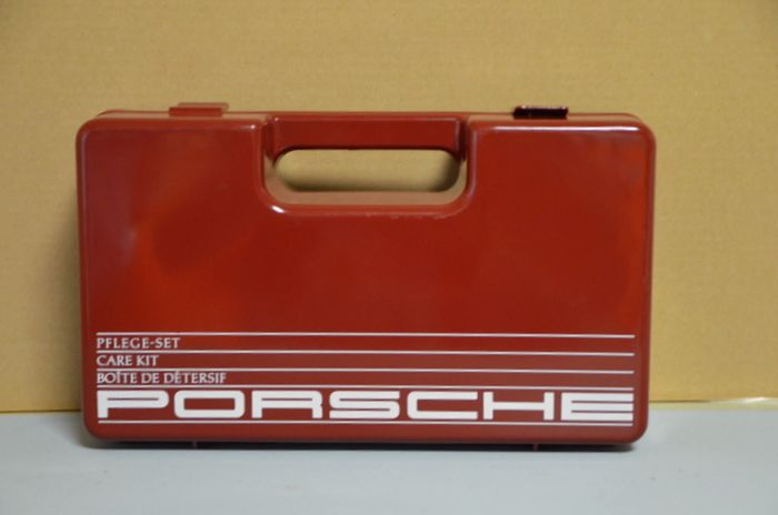 Decorative object - Porsche - Original  Porsche 911 Pflegekoffer /Pflegeset  - 1963-1980