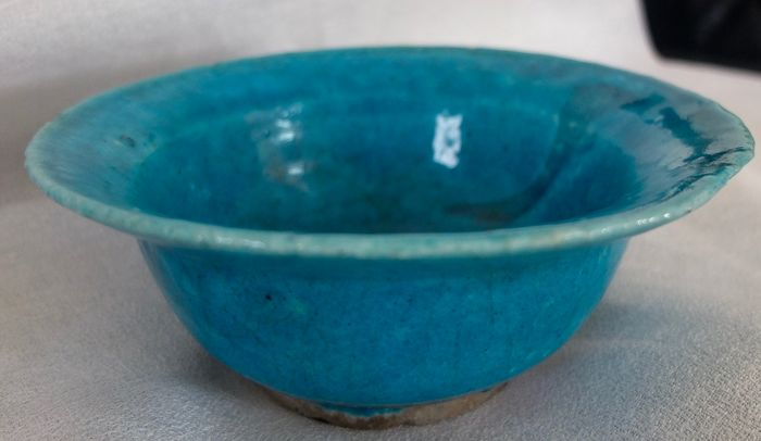 Bowl - Monochrome turquoise - Ceramic - Gorgan North of Iran or Afghanistan. - 18th century