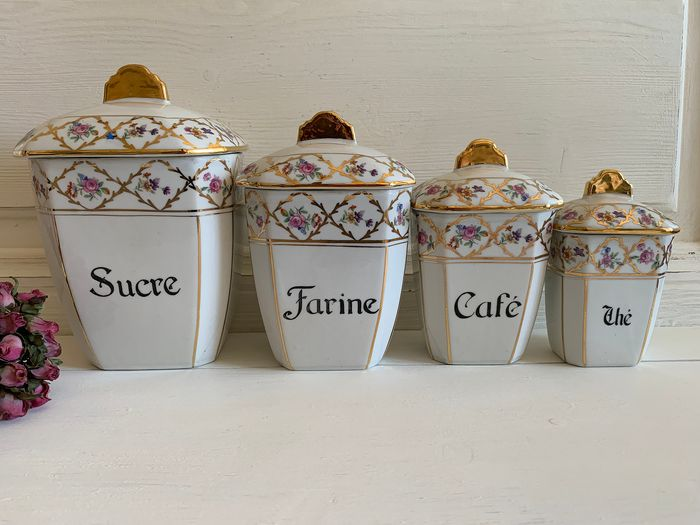 Superb lot of 4 spice jars Hand-painted. French Ancient - Porcelain