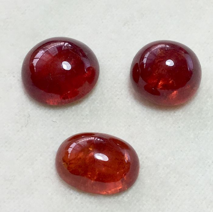 3 pcs Orange, Red Garnet - 41.25 ct