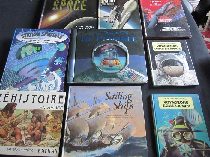 Lot with 12 Pop-Up books - 1982