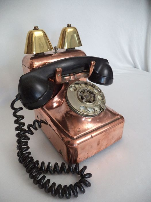 MFG. A vintage copper telephone with double bell 1960s - Bakelite, Copper