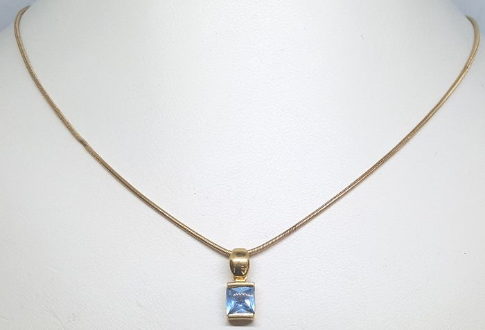 18 kt. Yellow gold - Necklace, Pendant - 0.60 ct Topaz