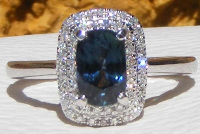 14 kt. White gold - Ring - 1.35 ct GIA Sapphire VVS1 blue Unheated - Diamonds 0.38 ct