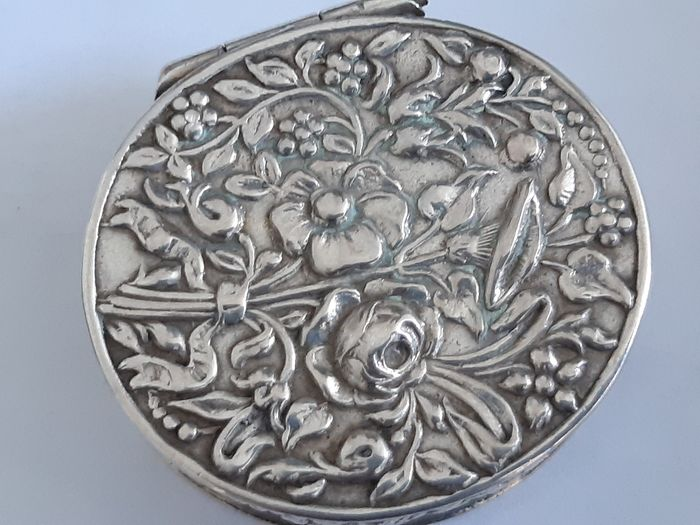 Lodderein box, Pill box - Silver - Karl Kurz, Hanau - Germany - Late 19th century