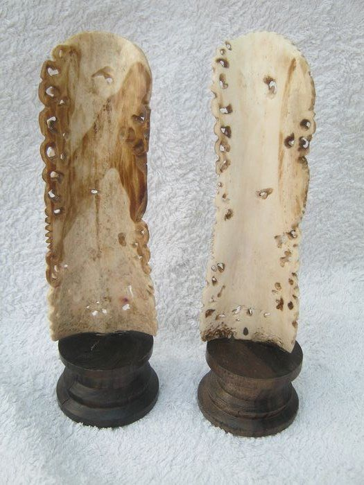 A Pair Of Chinese Hand Carved Water Buffalo Bone Statues Catawiki