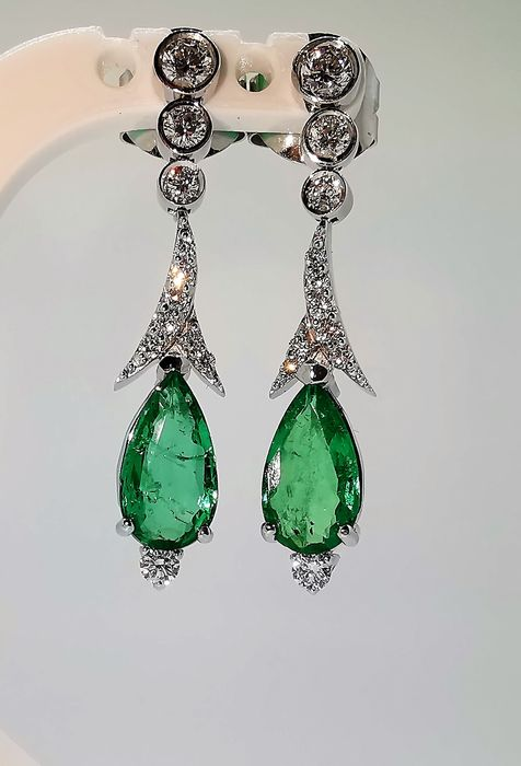 18 kt. White gold - Earrings - 3.40 ct Emerald - Diamonds