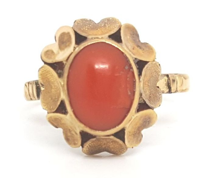 18 kt. Yellow gold - Ring - 10.00 ct Coral
