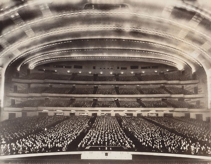 Unkown/ Rockefeller Center. - Audience of the Radio City Music Hall