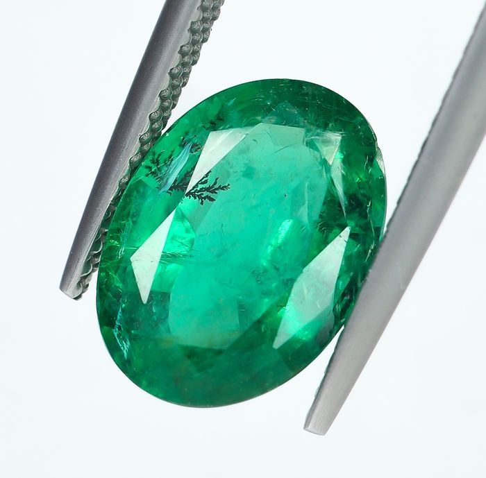 No Reserve - Intense Green Emerald  - 3.59 ct