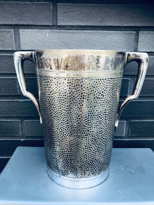 Gebroeders Hepp - Silver-plated hammered champagne cooler