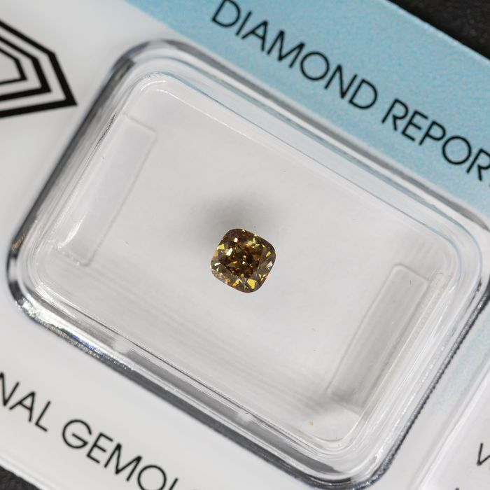 Diamond - 0.33 ct - Cushion - fancy green brown - VS2, IGI Antwerp