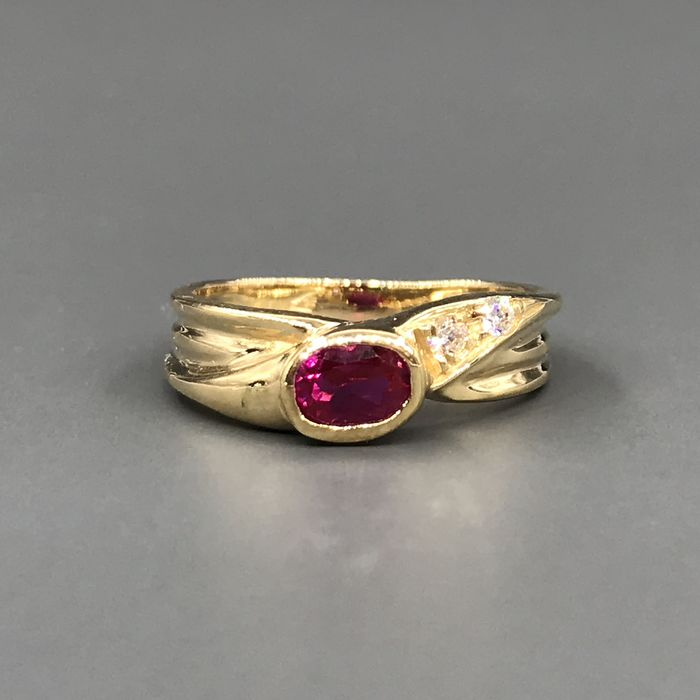 18 kt. Yellow gold - Ring - 0.25 ct Ruby - Zircons