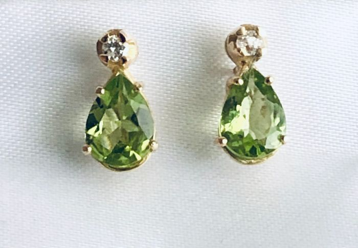 18 kt. Yellow gold - Earrings - 2.08 ct Peridot - Diamonds