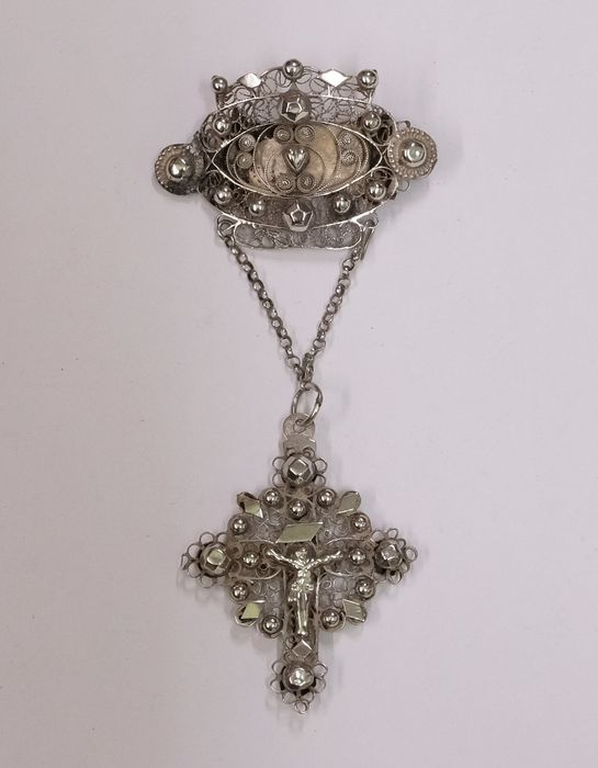 800 Silver - Flemish 19th-century antique pendant with crucifix, Brooch