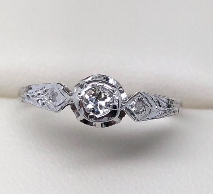 18 kt. White gold - Art Deco ring - 0.08 ct Diamond