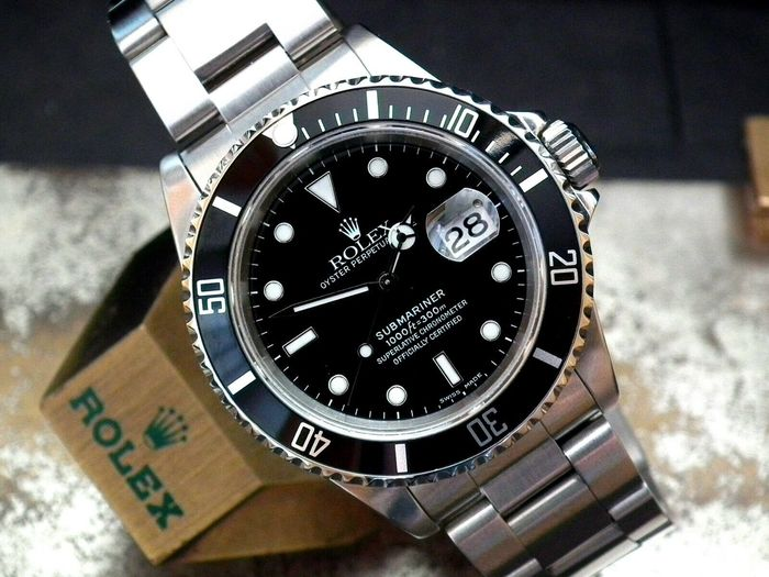 Rolex - Submariner Date - 16610 - Men - 1990-1999