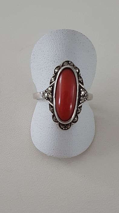 835 Silver - Silver Ring with Precious Coral and Marcasites