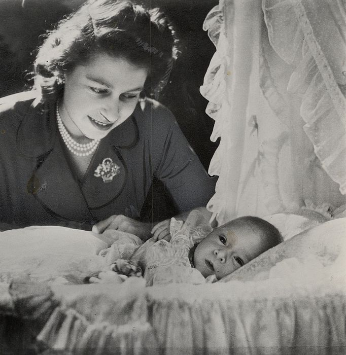 Cecil Beaton (1904-1980) / Associated Press / Cleveland News - Queen Elizabeth II with Baby Prince Charles, 1948