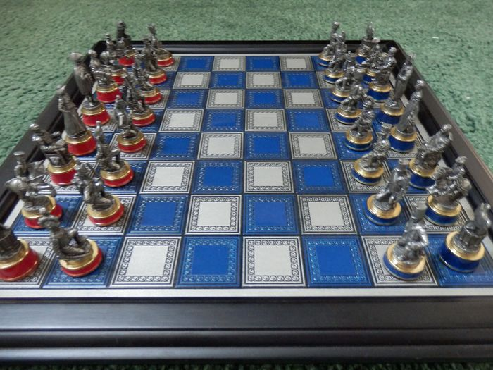 "Philip J. Haythornthwaite - Franklin Mint  - Chess game ""The battle of Waterloo"" - Pewter/Tin, Wood"