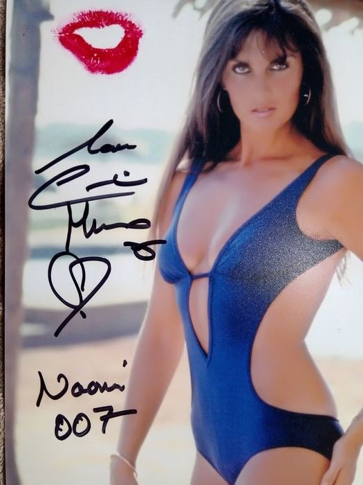 James Bond 007 - The Spy who Loved me - Caroline Munro - Hand signed and Personally Kissed photo - Autograph