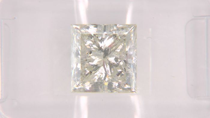 1 pcs Diamante - 2.74 ct - Princesa - J - SI3