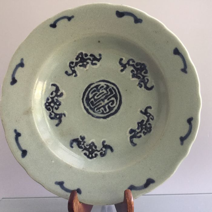 Beautiful Qing Dyn. marked Celadon plates  - Celadon - Porcelain - China - 19th century