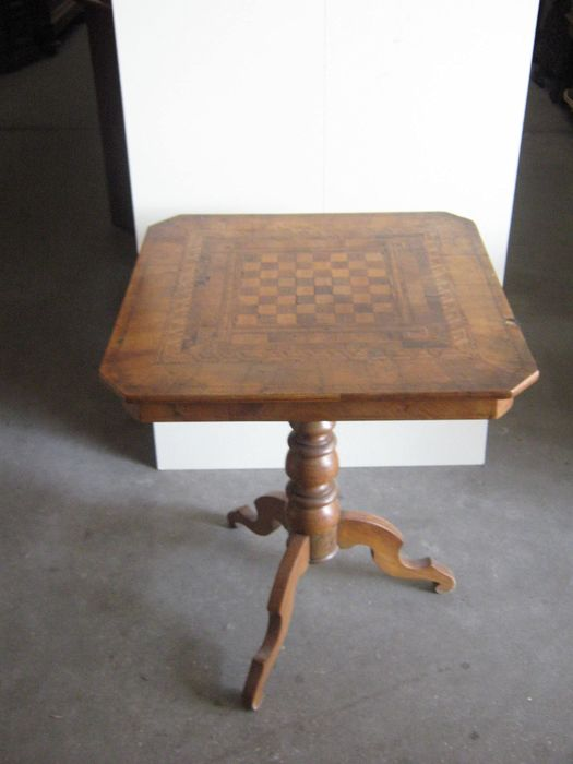 Chess table - Wood, Wood- Walnut