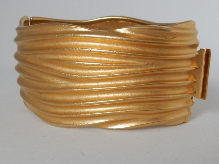 Vintage MONET. 1960/70's Plaqué or - Bracelet