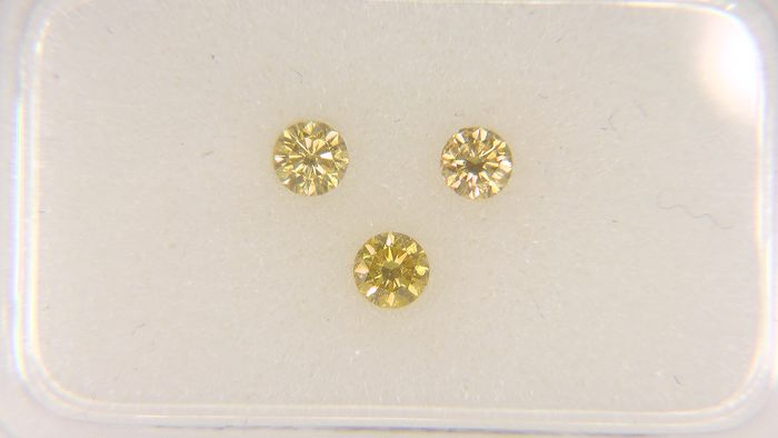 3 pcs Diamond - 0.20 ct - Round - fancy vivid orange - VS1, VS2, VVS1, VVS2, No Reserve Price!