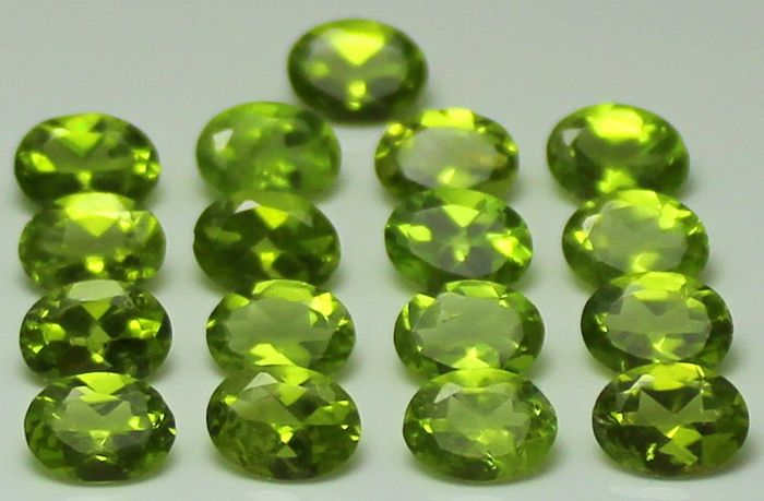 17 pcs  Peridot - 23.40 ct