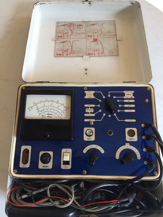 Classic Philips  - battery tester / fault finder - PE4400 - 1955-1960