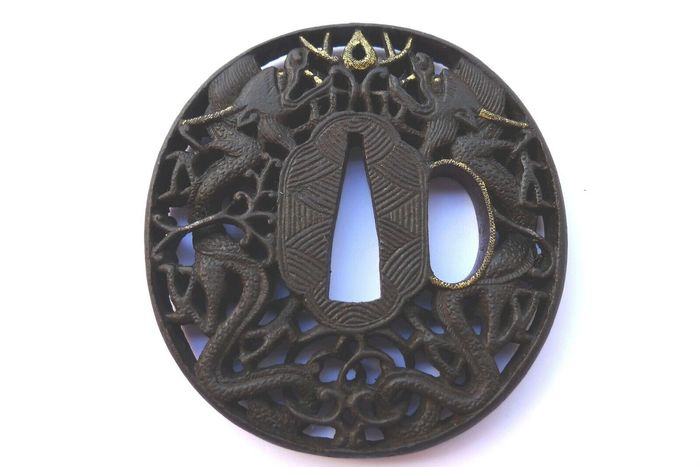 Beautiful dragon couple motif nanban tsuba - Iron - Japan - Edo Period (1600-1868)
