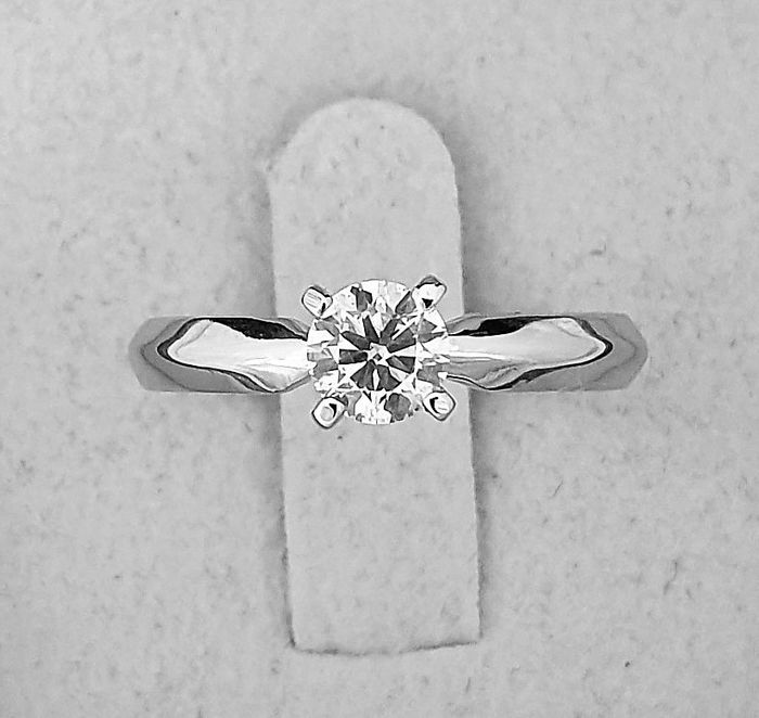 14 kt. White gold - Ring - 0.62 ct Diamond - D/VS2