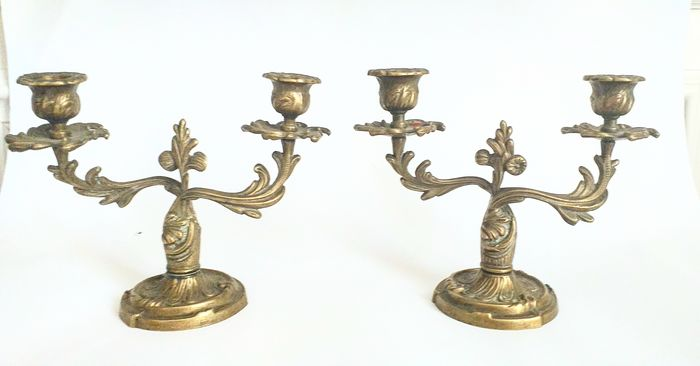 PAIR OF LOUIS XV STYLE BRONZE CANDELABRA (2) - Louis XV - Bronze, Ormolu (Gilt Bronze) - Late 19th - Bronze (gilt/silvered/patinated/cold painted)