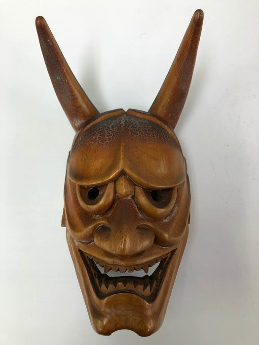 Noh mask - Wood - Exquisite Hannya 般若 mask, the spirit of a jealous woman - Japan - Late Showa period (1926-89)