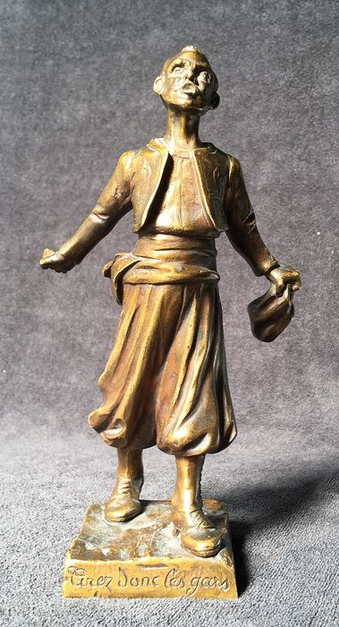 """Georges FLAMAND (1895-1925) - Francès Fondeur - Sculpture, """"So shoot the guys"""" - Patinated bronze - Early 20th century"""