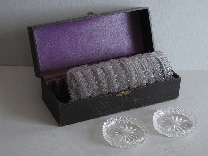Antique cassette with 12 coasters - lead crystal